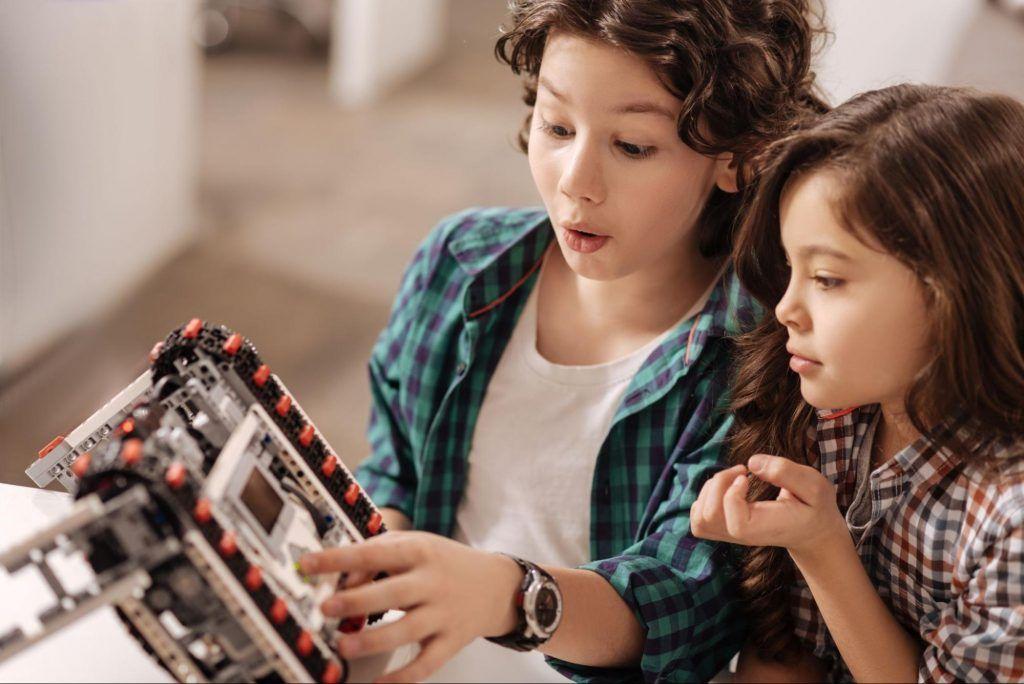 Kids learning robotics